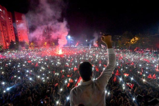 Istanbul ferma le ambizioni autocratiche di Erdogan