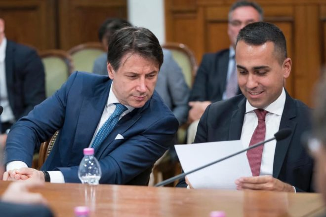 La trattativa tra Pd e M5S: nel tatticismo della crisi politica si sta uccidendo la politica stessa
