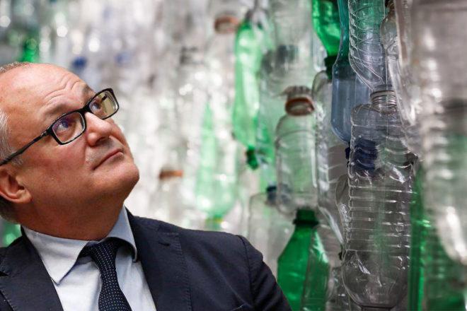 La plastic tax all'improvviso è il problema più grave del paese