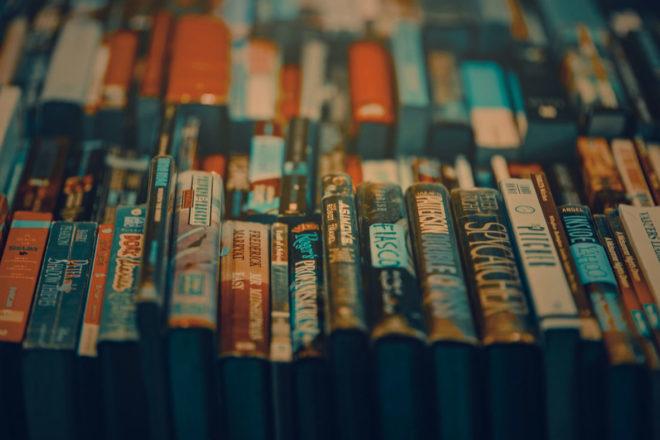 Fare la bookinfluencer non significa solo fare foto carine con libri e cappuccini