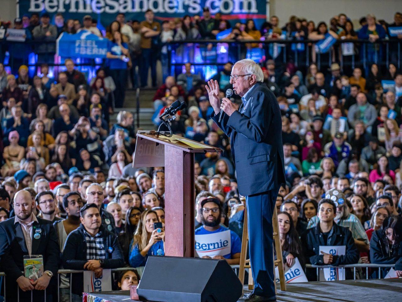 Bernie Sanders è il candidato favorito alle primarie democratiche statunitensi