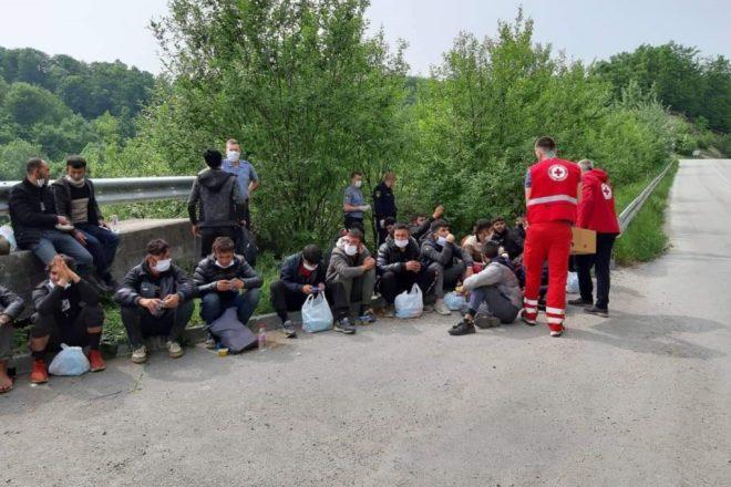 La rotta balcanica al contrario: i migranti respinti illegalmente dall'Italia finiscono in Bosnia