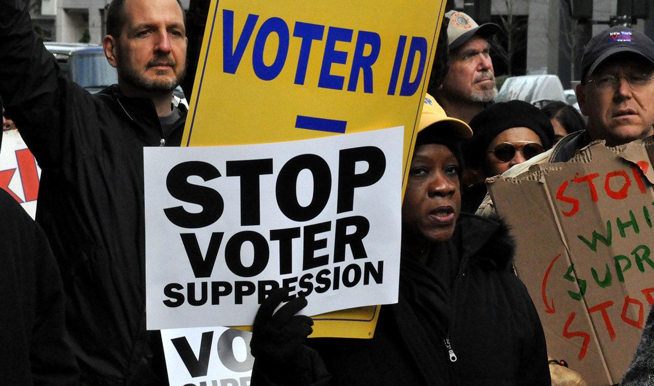"""Che cos'è la """"voter suppression,"""" dove finisce la democrazia statunitense"""