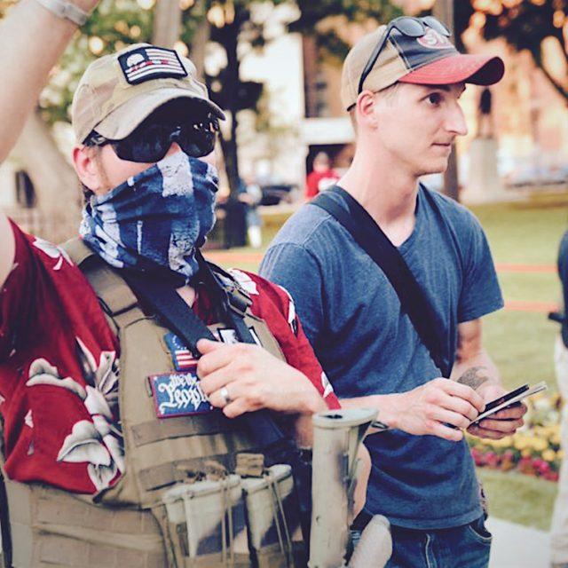 Da Trump ai boogaloo, i social network iniziano a fare i conti con i neonazisti