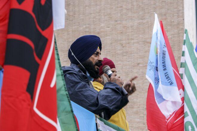 La lotta dei braccianti Sikh a Latina interessa tutta l'Italia