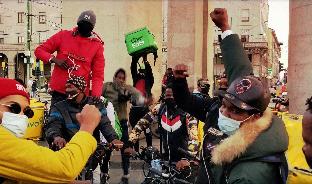 La lotta dei rider non si ferma all'inchiesta della procura di Milano