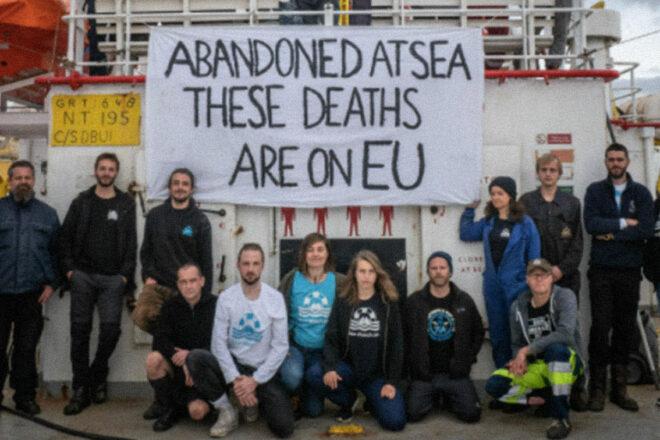 Naufragi e deportazioni sono la realtà quotidiana nel Mediterraneo centrale