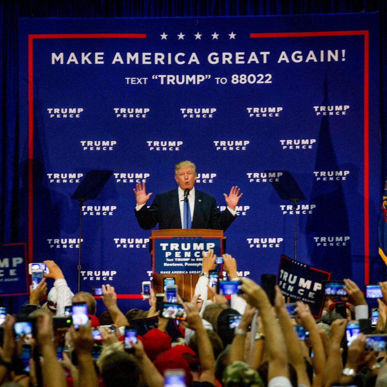 Trump ha truffato i propri sostenitori per decine di milioni di dollari