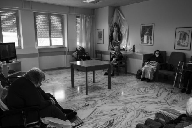 Le Rsa sono il modello giusto di assistenza agli anziani non autosufficienti?