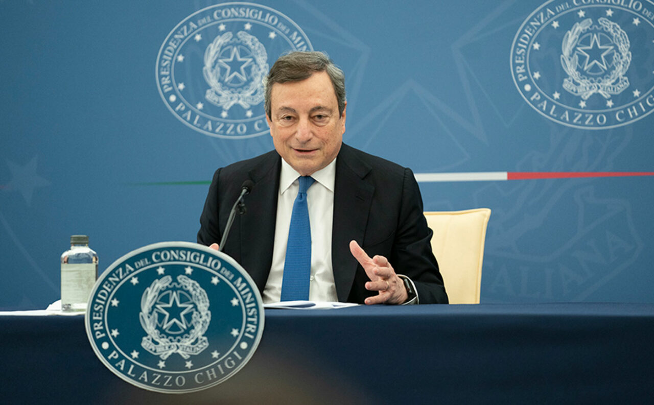 https://thesubmarine.it/wp-content/uploads/2021/07/draghi-lavoro-1280x793.jpg